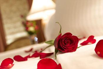 Obrázek z Postel plná růží 100 ks