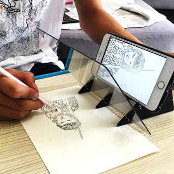 Obrázek z Projektor pro obkreslování z mobilu